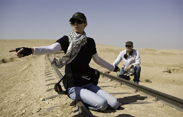 "Blood on the tracks: Kathryn Bigelow shooting ""The Hurt Locker"""