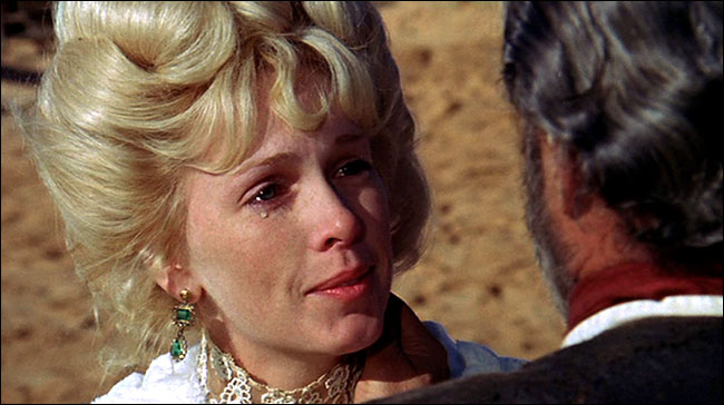 Stella Stevens as Hildy