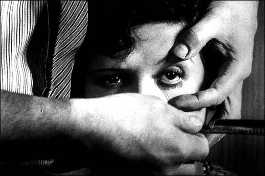 "The man with the razor: ""Un Chien Andalou"""